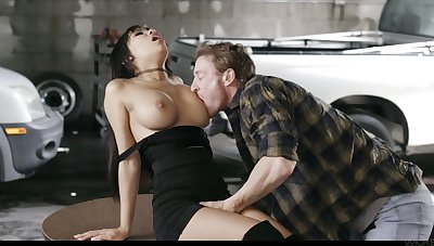 Mouth watering Asian tot Gia Milana enjoys crazy quickie in the garage