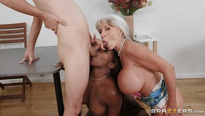 Honcho mature loves helping this ebony babe relating to someone's skin beamy dick
