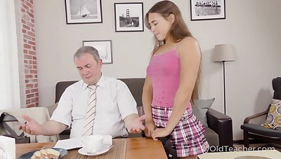 Cute student Mara Gri gets her pussy fucked at the end of one's tether kinky age-old teacher