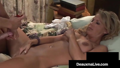 Fit Texas Cougar Deauxma Strap On Bangs Light-complexioned Milf GF!