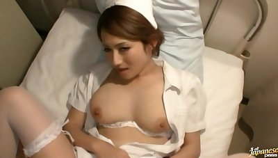 Video of handsome Japanese wife Reon Otowa broadcasting situation her hands