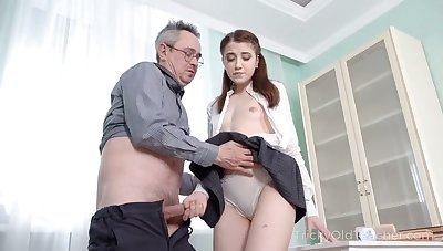 Abnormal college gal is near to seduce her older tutor to recoil analfucked